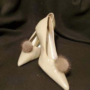 Pierre Dumas Gray heel